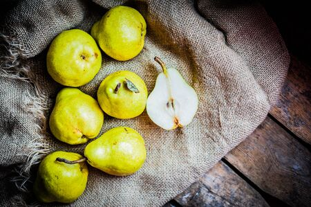 Pears 版權商用圖片