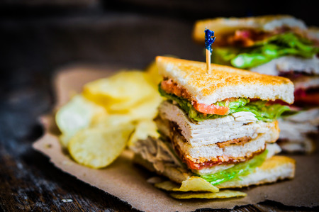 sandwich de pollo: club sandwich Foto de archivo