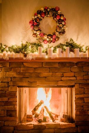 크리스마스 장식 벽난로 스톡 콘텐츠 - 34487143