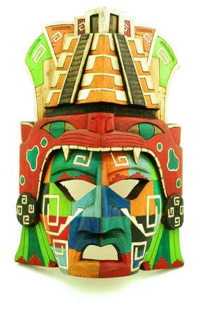 Houten Maya-masker op een witte achtergrond
