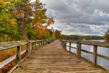 Promenade langs de oevers van Lost Lake Ludington State Park Ludington, Michigan