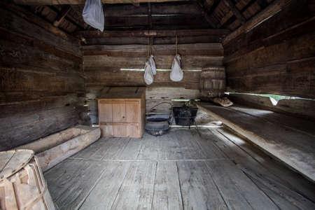 Uno Shack Camera. Interno di una stanza una cabina pioniere. Si tratta di una struttura aperta al pubblico nel parco Smoky Mountains National. Non è una residenza o di proprietà privata. Editoriali