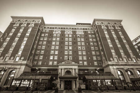 Grand Rapids, Michigan, USA - September 17, 2016: The historical Amway Grand Plaza Hotel is a luxury four star hotel owned by the Hilton Hotel chain and is located in downtown Grand Rapids, Michigan. Sajtókép