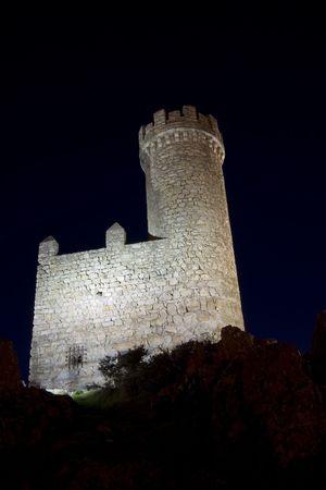 Atalaya de Torrelodones is een verdediging Moorse toren uit de 9de eeuw, gelegen in de buurt van Torrelodones Madrid, Spanje. Stockfoto - 731995