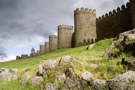 Medieval city walls in Avila Spain.  Considered the best preserved in Europe. Imagens