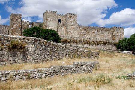 extremadura: The Alcazaba de Trujillo (Trujillo castle) is of moorish origin and stands on a hill overlooking the town of Trujillo in Extremadura, Spain.