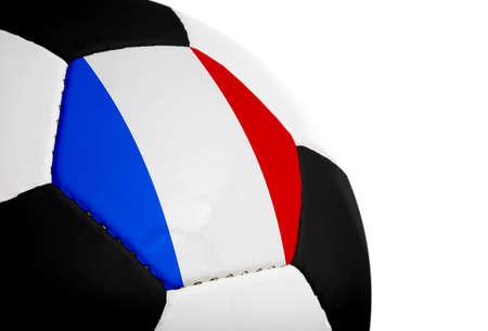 Franse vlag op een voet bal (voet bal) geschilderdgeprojecteerd.  Geïsoleerd op een witte achtergrond.