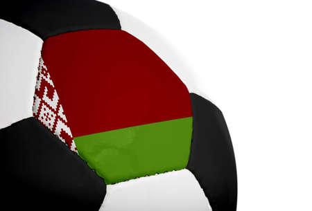 Wit-Russisch vlag geschilderd  geprojecteerd op een voetbal (soccer ball). Geïsoleerd op een witte achtergrond. Stockfoto