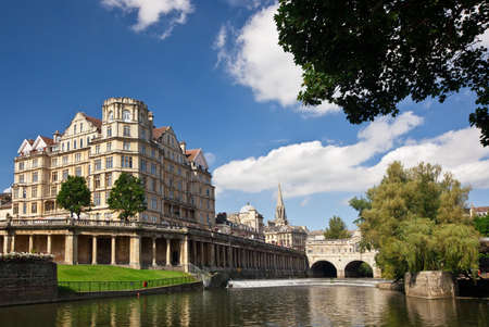 avon: View of the Avon River and the Pulteney Bridge in Bath, England. Stock Photo
