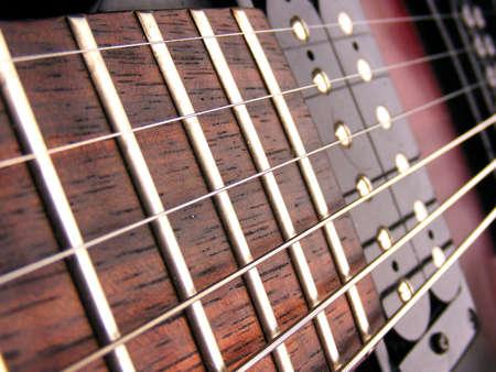 tremolo: Chitarra elettrica stringhe tasti e pick up