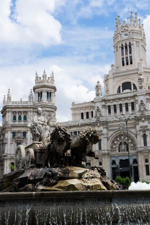 cibeles: Cibeles statue in Madrid with the city hall in the background