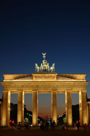 brandenburg: The Brandenburg gate in Berlin at night.