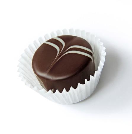truffe blanche: Chocolat truffe, isol� sur blanc Banque d'images