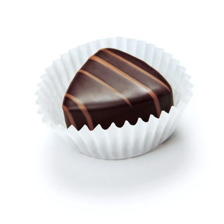 truffe blanche: Chocolate truffle, isolated on white