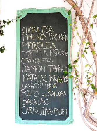 tapas españolas: muestra del restaurante de menú, tapas españolas