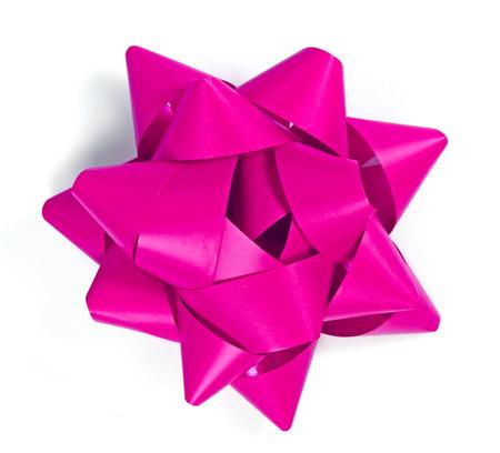 moño rosa: lazo rosa, gran ángulo de visión. Aislado en el fondo blanco, elemento de diseño decorativo. Foto de archivo