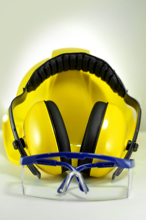 safety googles: safety tools