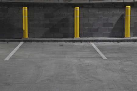 automobile parking garage at night in Raleigh, North Carolina Standard-Bild