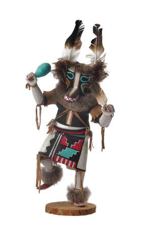 hopi: Bambola Kachina Lupo scolpita dalle radici di un albero Cottonwood, isolato su bianco