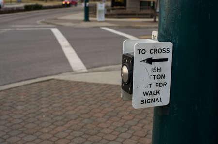 paso de cebra: bot�n de paso de peatones