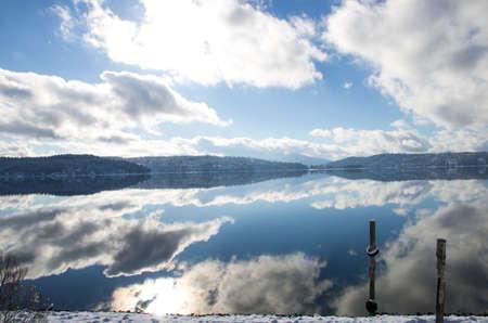 coeur: Coeur d Alene Lake Stockfoto