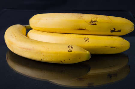 silliness: Bannanas with faces