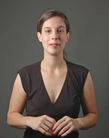 przewidywanie: młoda kobieta z wyglądu przewidywania, portret