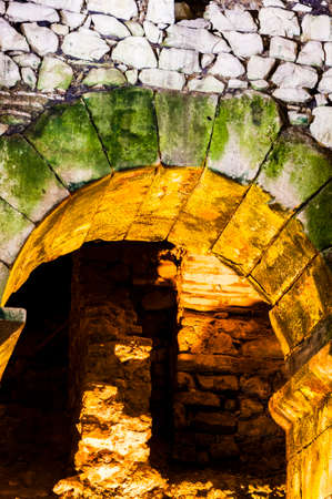 Ancient Roman brick engineering, the arc vault.