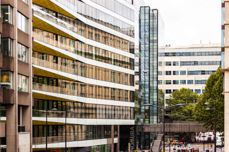 London, United Kingdom - September 14, 2017: Modern glass facades of British architecture in London. 新聞圖片