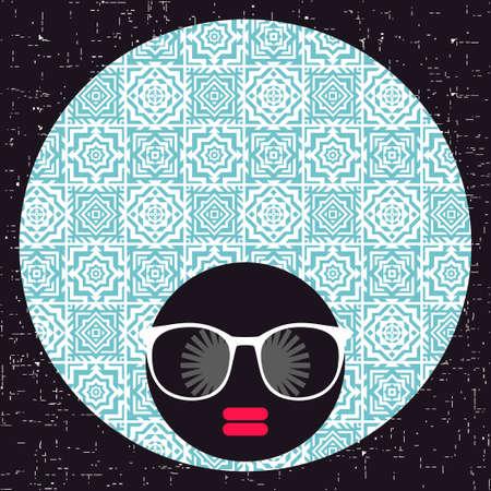 Junge Frau mit dunkler Haut und kreativem Turban auf ihrem Kopf Standard-Bild - 96287784