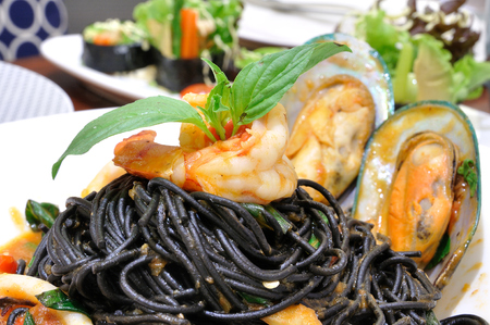 Squid ink-Spaghetti squid ink with seafood