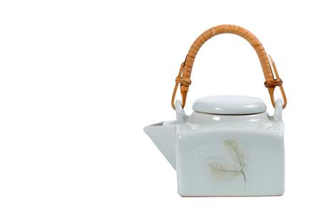 chinese tea pot: Tetera china aisladas sobre fondo blanco.