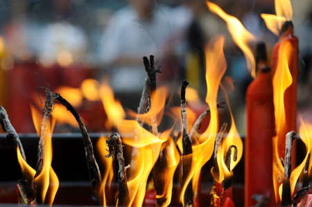 flametongue: Fire flame from china candle