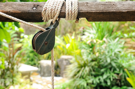Small pulley with rope in garden, labor-saving