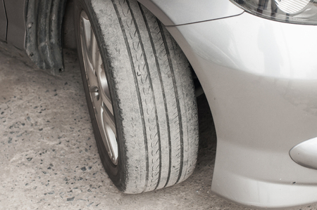 dirty car: Care use unsafe tire, not safe for use.