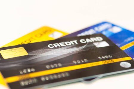 Le carte di credito per il pagamento della commissione bancaria del debito, i soldi in meno rendono il flusso di cassa.