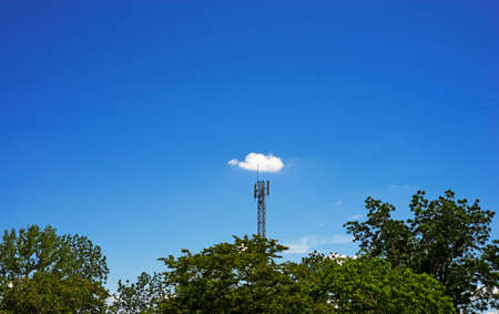 White cloud on signal pole and clear blue sky on background Фото со стока - 41078378