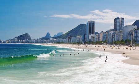 Vue de la plage de Copacabana à Rio de Janeiro au Brésil