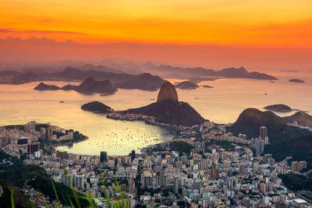 de': Sunset view of mountain Sugar Loaf and Botafogo in Rio de Janeiro. Brazil