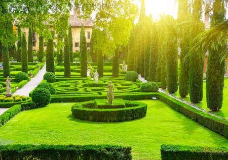 giardino: Giusti Garden in Verona, Italy
