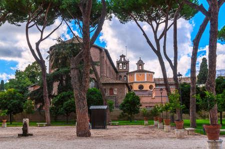 giardino: Orange Garden Parco Savello Giardino degli Aranci on the Aventine Hill in Rome. Italy Stock Photo