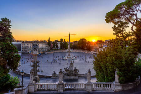 mundi: Sunset view of Piazza del Popolo (Peoples Square) in Rome, Italy