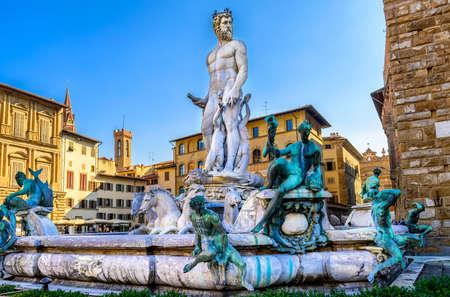 neptuno: Fountain Neptune in Piazza della Signoria in Florence, Italy Foto de archivo