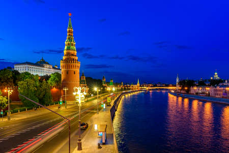 palacio ruso: Moscow Kremlin, Kremlin Embankment and Moscow River at night in Moscow, Russia. Architecture and landmark of Moscow Foto de archivo