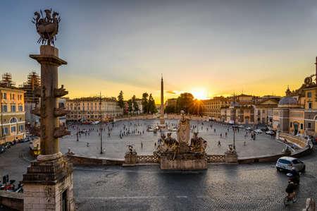 ポポロ (人民広場) ローマ, イタリアのサンセット ビュー 写真素材