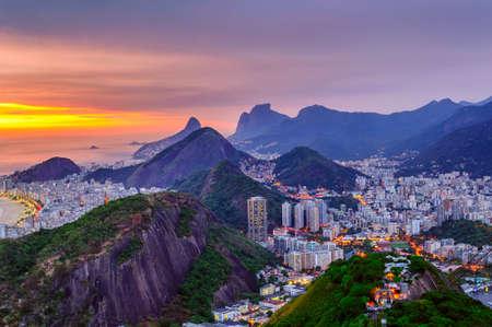 Zonsondergangmening van Copacabana en Botafogo in Rio de Janeiro. Brazilië Stockfoto