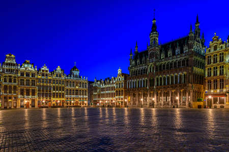 Grand Place (Grote Markt) with Maison du Roi (King's House or Breadhouse) in Brussels, Belgium. Grand Place is important tourist destination in Brussels. Cityscape of Brussels. Zdjęcie Seryjne