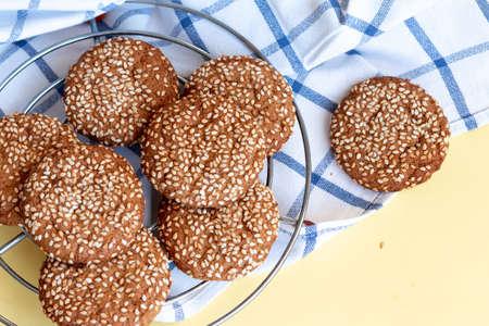 homemade ginger coockie with sesame Reklamní fotografie
