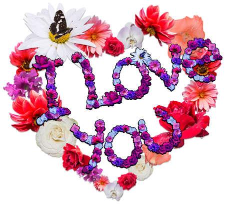 caes: Hermoso coraz�n con la leyenda hecha de diferentes flores como s�mbolo de amor en el fondo blanco. Foto de archivo