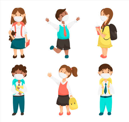 Cartoon vector set of cute children, school kids in medical masks during a pandemic. Smiling pupils with books and backpacks. Vecteurs